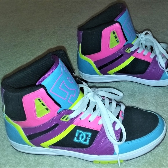 a56064d4d9 DC High Top Skate Shoes Bright Neon Colors Size 11.  M 5a8cf0318290afdc35baddcb